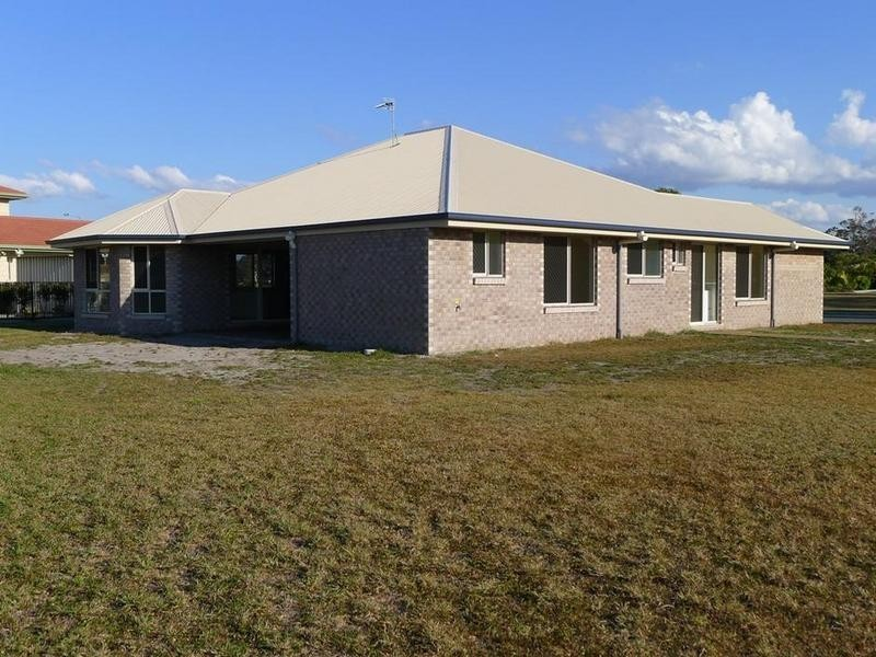 39 Barramundi Dr, Burrum Heads QLD 4659