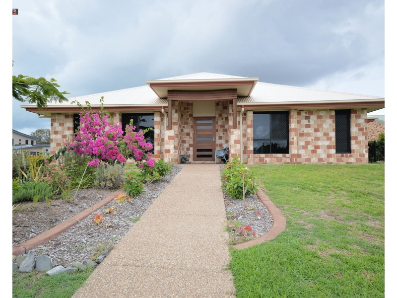 1 Eds Place, Burrum Heads QLD 4659