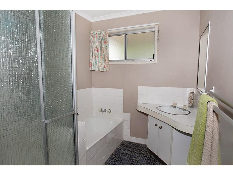 3 Titania Court, Coes Creek QLD 4560