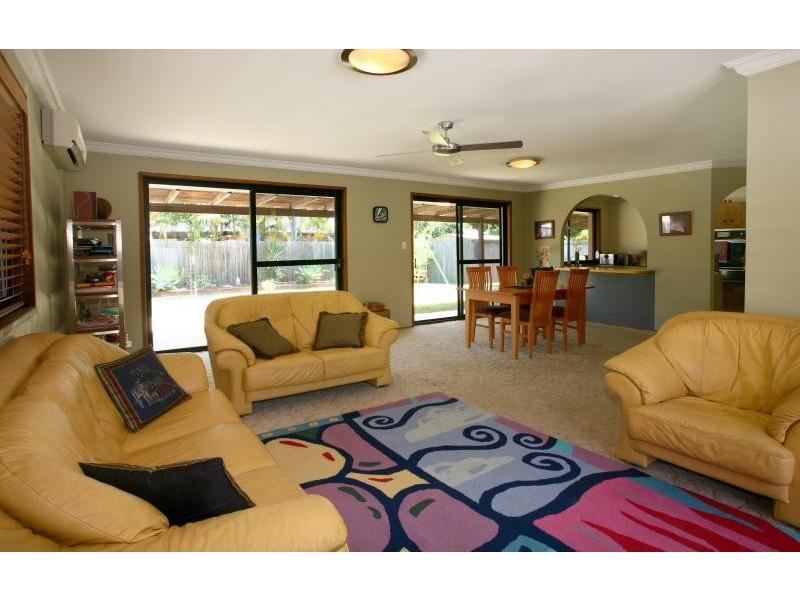 81 Cypress Drive, Broadbeach Waters QLD 4218