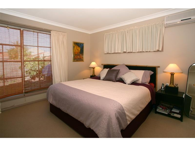 23 Darnay Road, Broadbeach Waters QLD 4218