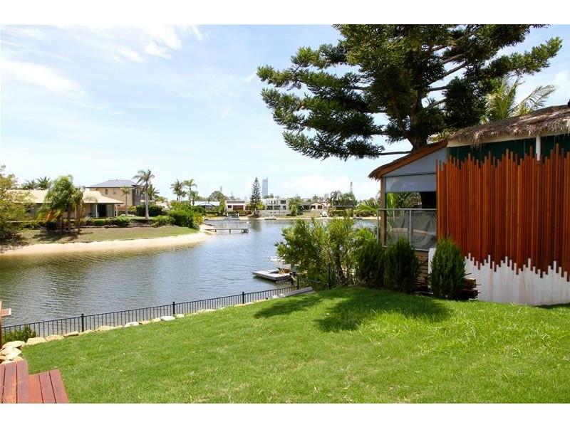 73 Hooker Boulevard, Broadbeach Waters QLD 4218