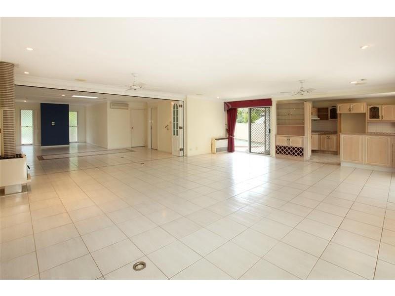 40 Cypress Drive, Broadbeach Waters QLD 4218