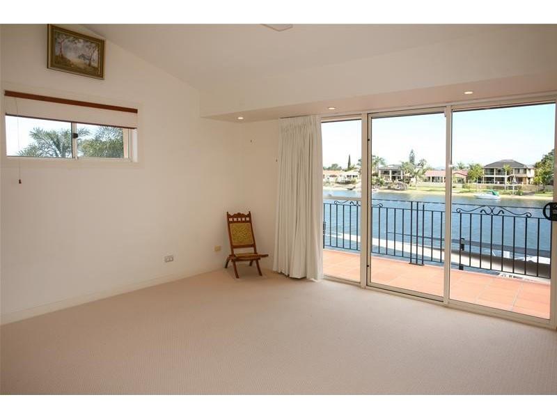9 Yunga Court, Broadbeach Waters QLD 4218