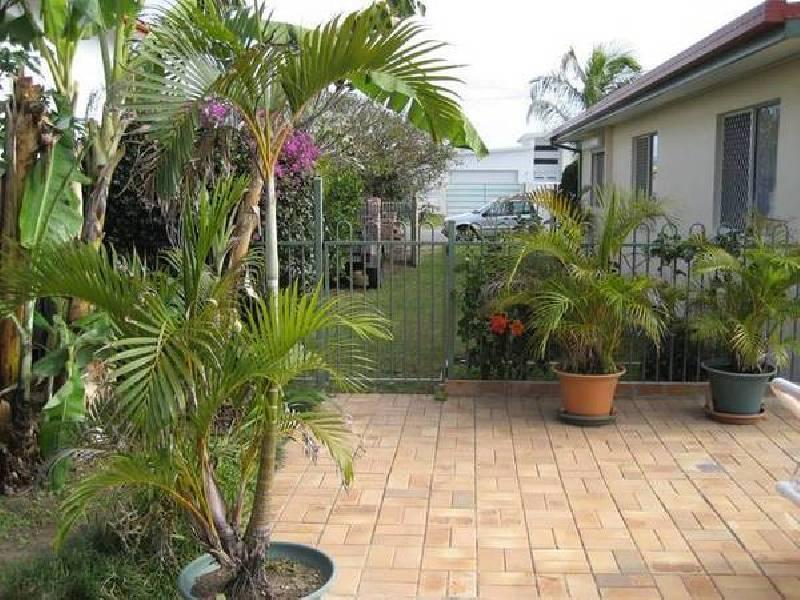 22 Lakeside Avenue, Broadbeach Waters QLD 4218