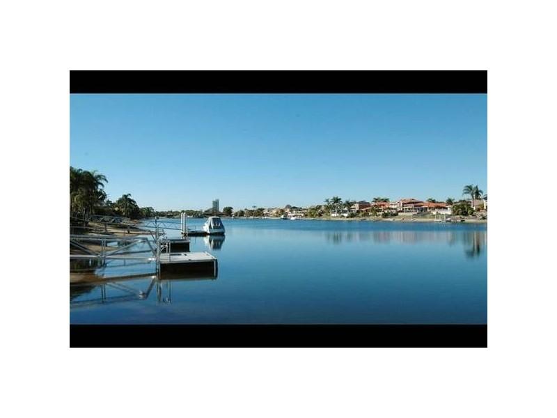 3 Yunga Court, Broadbeach Waters QLD 4218