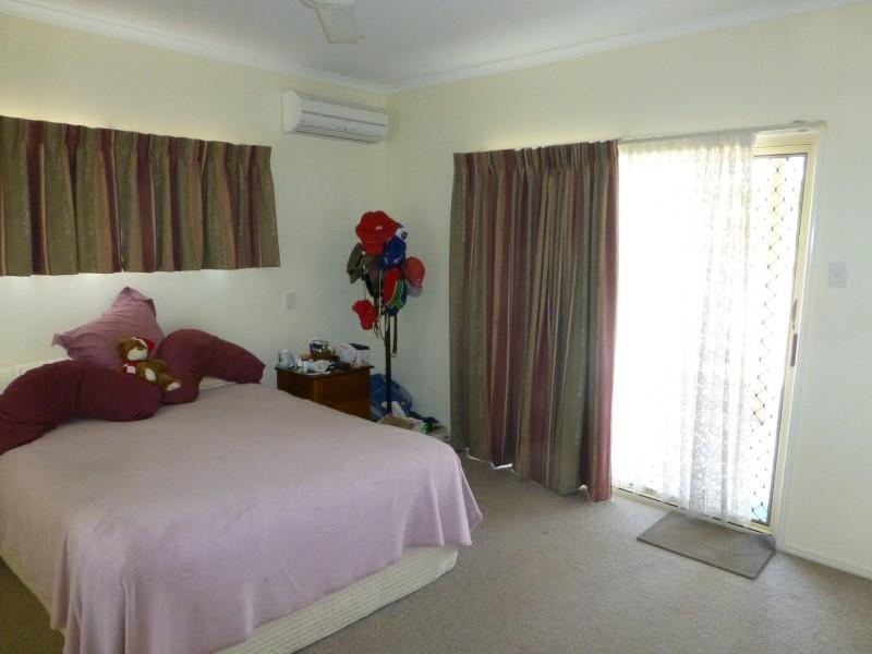 11 WILLIAM STREET, Biggenden QLD 4621