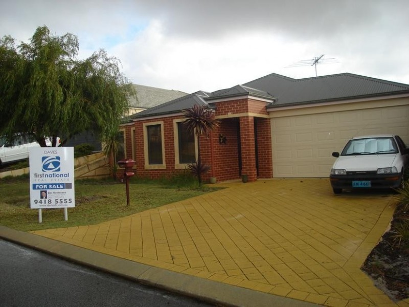 18 Felpham Court, Success WA 6164