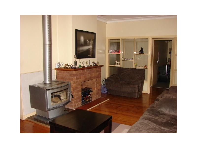 83 St Andrew Street, Aberdeen NSW 2336