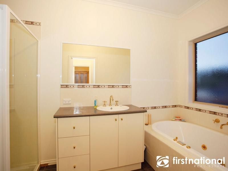 11 Whitaker Place, Beaconsfield VIC 3807