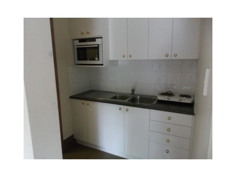 9 Yeerinbool Court, Arana Hills QLD 4054