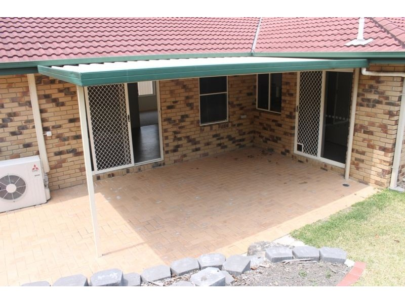 54 Hillenvale Ave, Arana Hills QLD 4054
