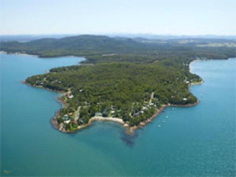 33 Point Circuit, North Arm Cove NSW 2324
