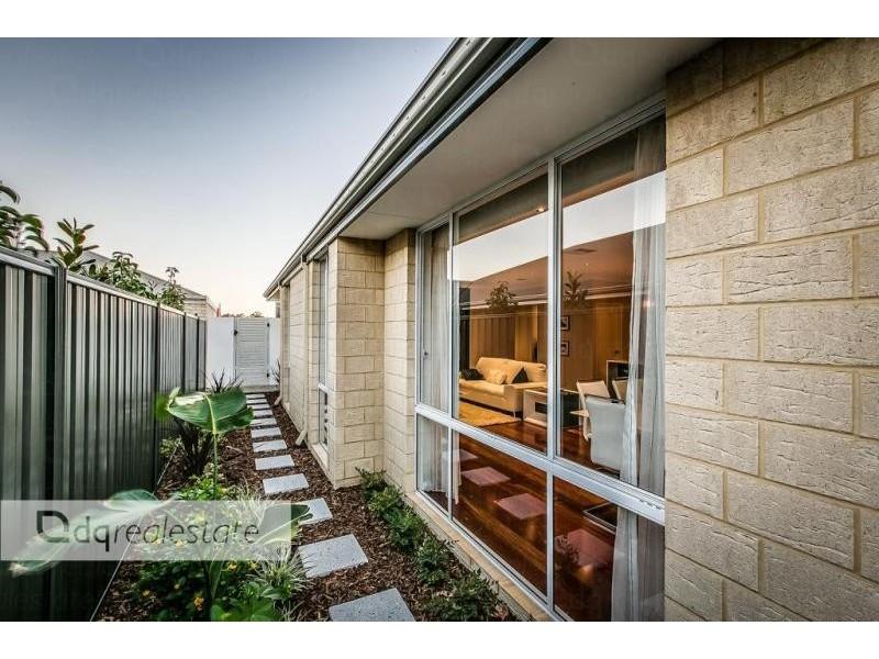 21 Solandri Bend, Banksia Grove WA 6031