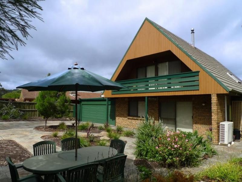 4 Sunnymeade Drive, Aberfoyle Park SA 5159