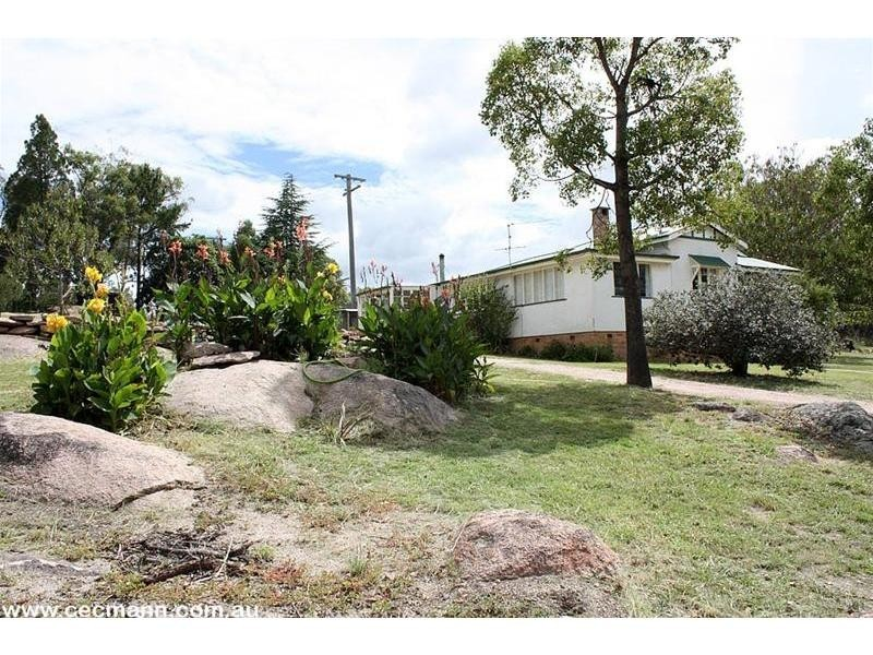 2389 Eukey Road, Ballandean QLD 4382