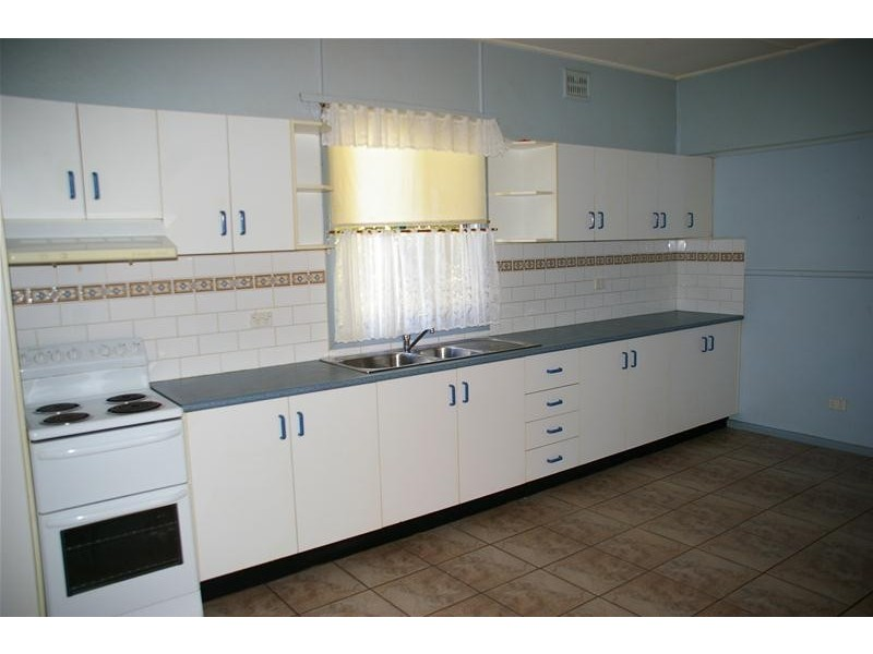 29 Darling Avenue, Cowra NSW 2794