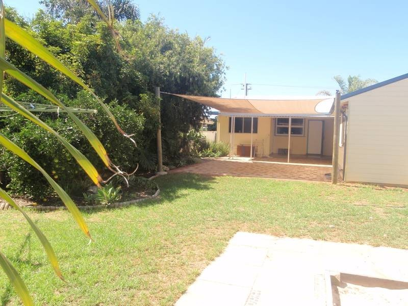 97 Railway Street, Bluff Point WA 6530