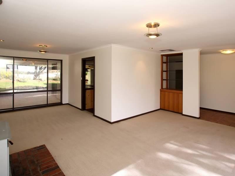 30 Tania Drive, Aberfoyle Park SA 5159