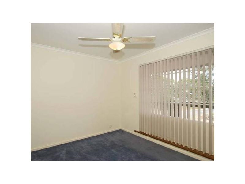 25 Sunnymeade Drive, Aberfoyle Park SA 5159