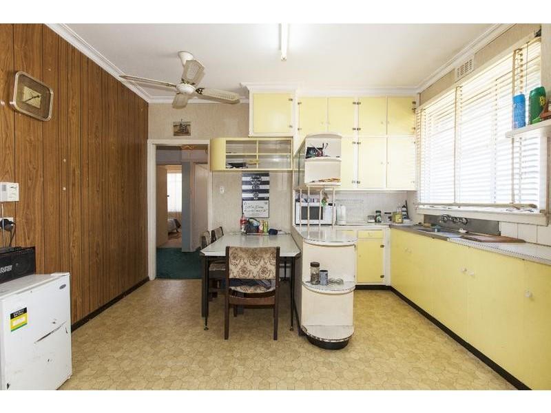 14 Laidlaw Street, Ararat VIC 3377