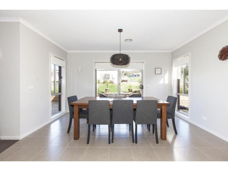 123 Picnic Road, Ararat VIC 3377