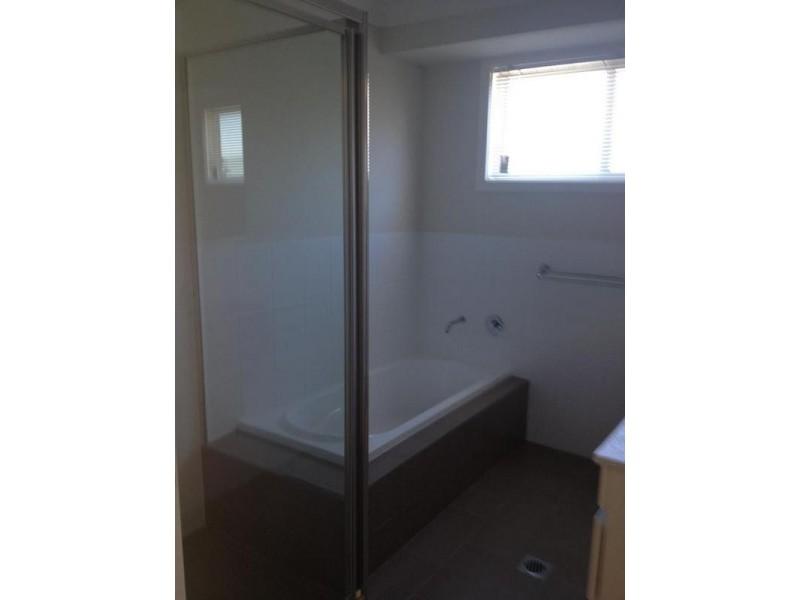 2/4 Northcote St, Aberdare NSW 2325