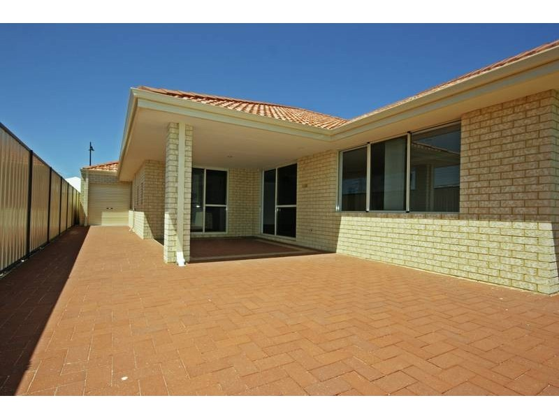 29 St Joseph Fairway, Success WA 6164