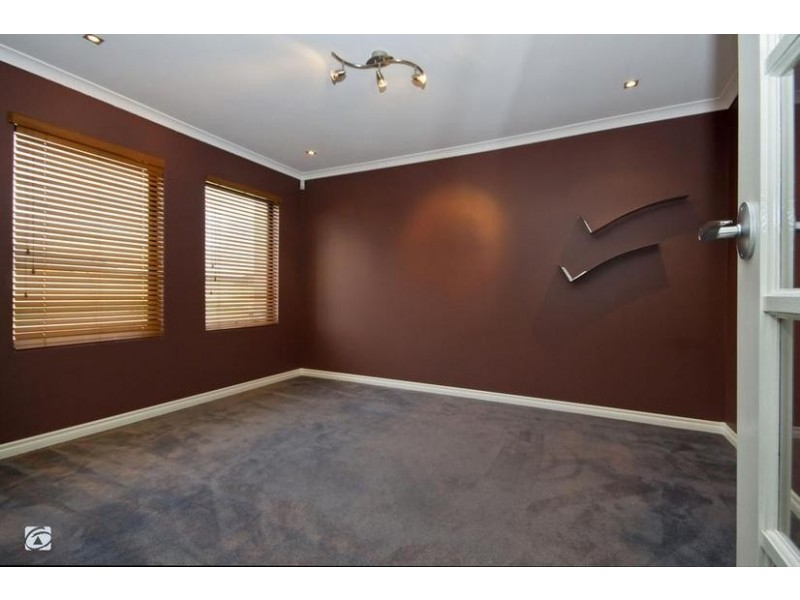 23 Marav Court, Success WA 6164