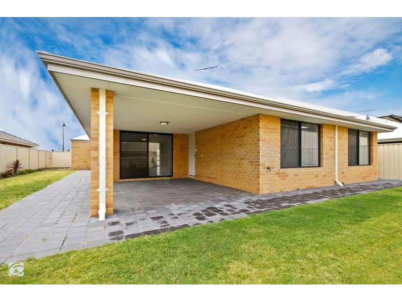 9 Willerin Loop, Success WA 6164