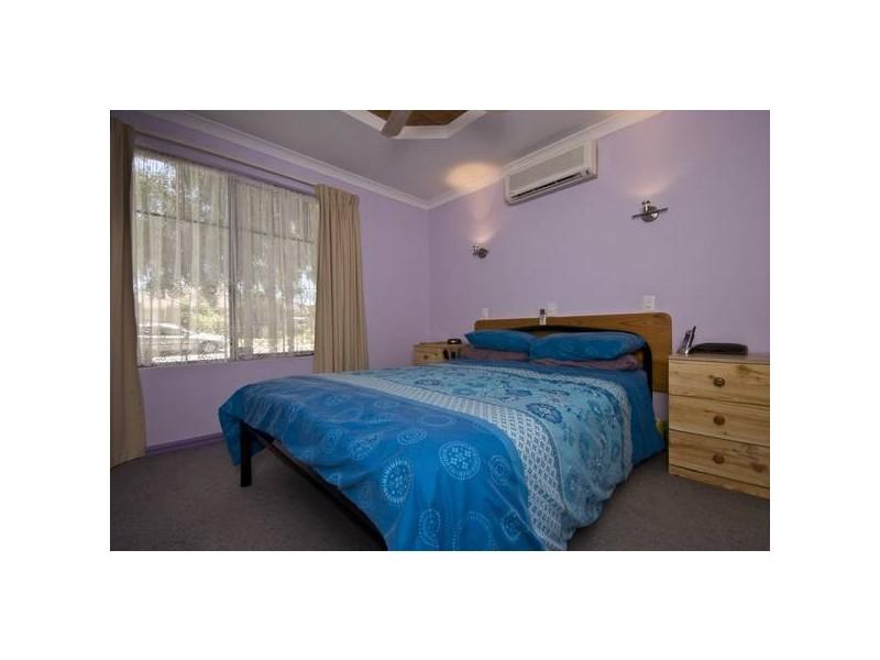 4 Seabrook Place, Success WA 6164