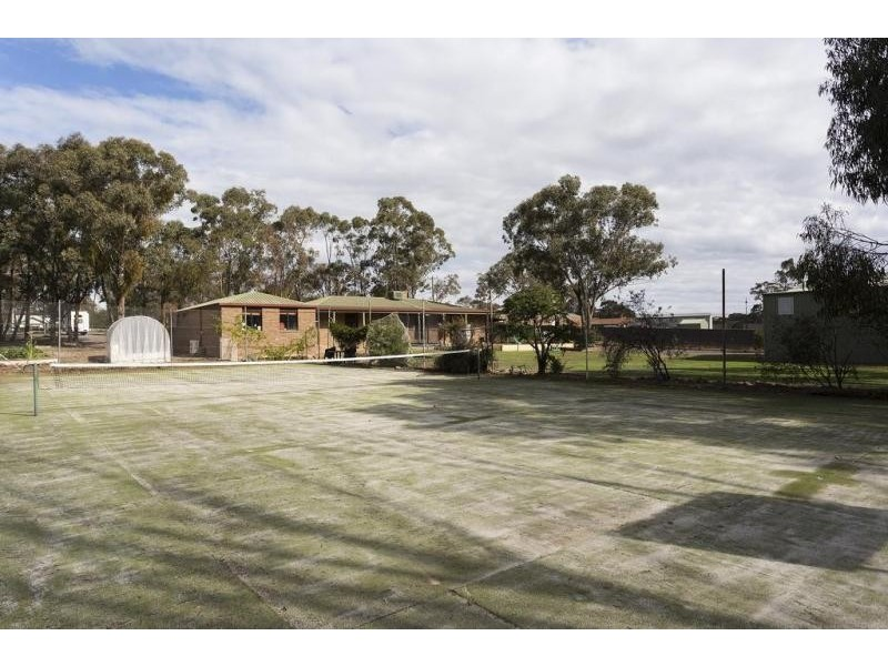 106 Edwards Road, Maiden Gully VIC 3551