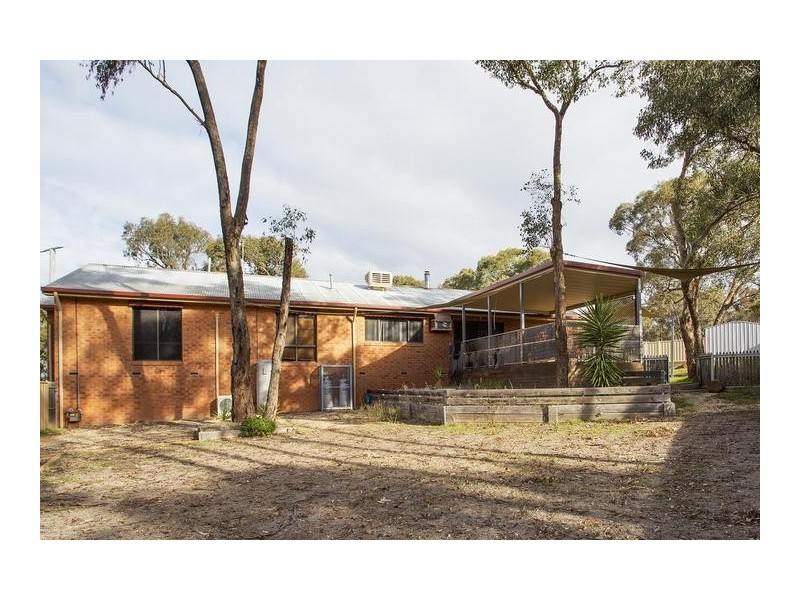 23 Hermitage Road, Maiden Gully VIC 3551