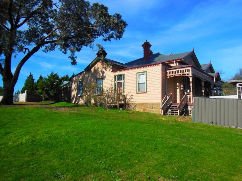 5A Harkness Street, Quarry Hill VIC 3550