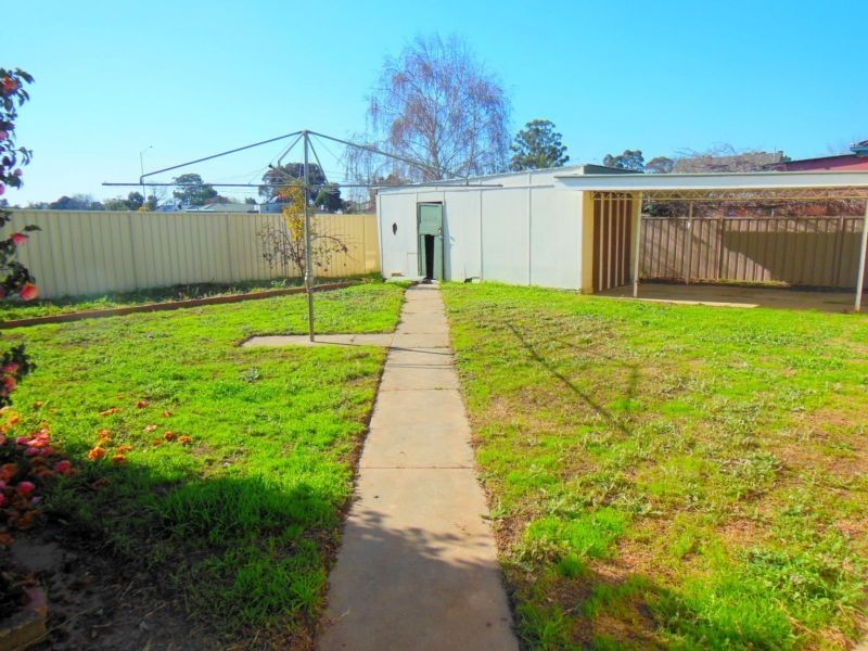 24 Fifth Avenue, White Hills VIC 3550
