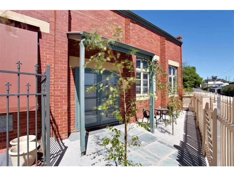 3 Hoskins Street, Quarry Hill VIC 3550