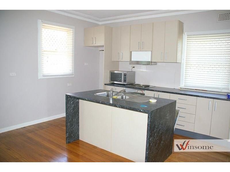 35 Cameron Street, West Kempsey NSW 2440