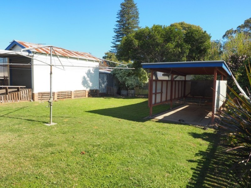 4 Russell Avenue, Smithtown NSW 2440