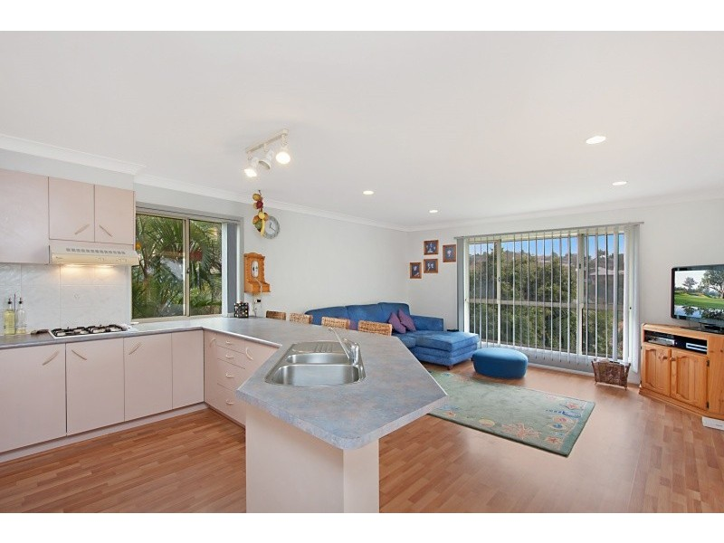 21 Tralee Drive, Banora Point NSW 2486