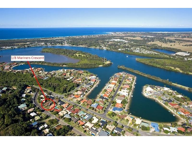1/8 Mariners Crescent, Banora Point NSW 2486