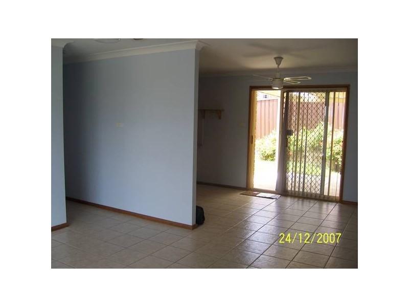 38 Claypole St, Ambarvale NSW 2560