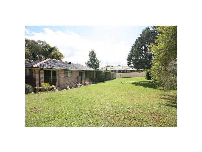 55 Loftus Dr, Barrack Heights NSW 2528