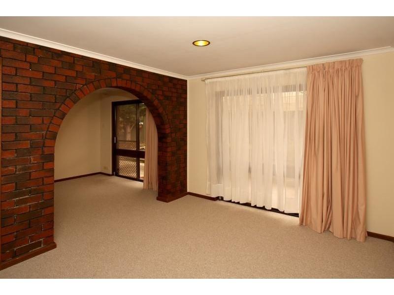 22 Tangara Drive, Aberfoyle Park SA 5159