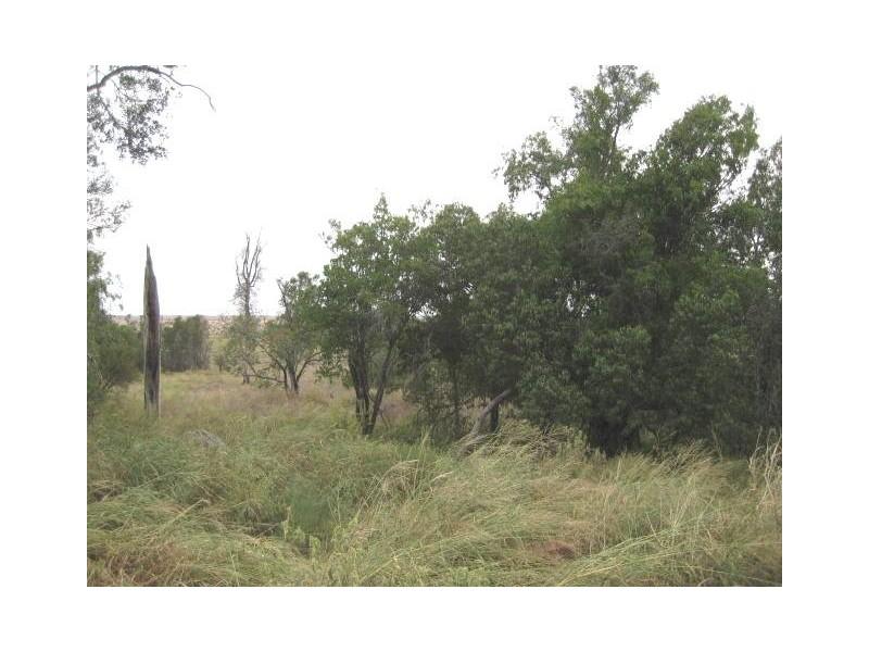 90 Huston's Rd, Pirrinuan QLD 4405