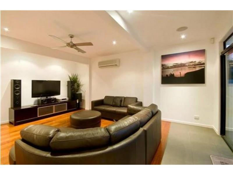 7 Rudd Street, Broadbeach Waters QLD 4218