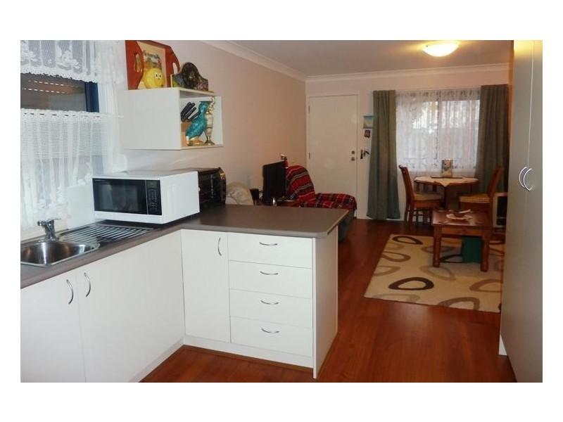 11 & 11a Daphne Street, Barrack Heights NSW 2528