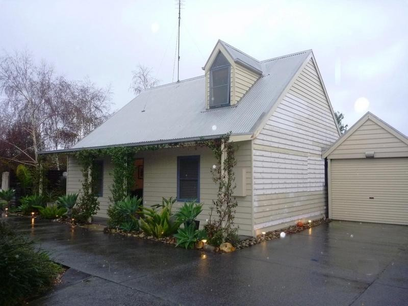 1 Turner Place, South Geelong VIC 3220