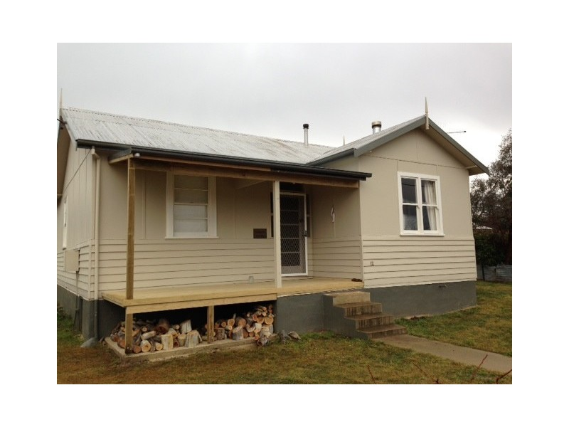 12 Chalker Street, Adaminaby NSW 2629