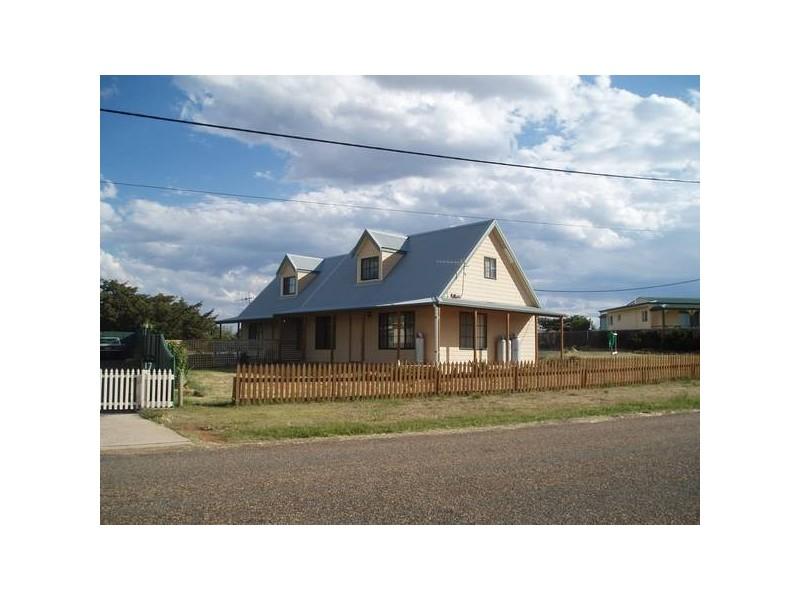 15 Chalker Street, Adaminaby NSW 2629