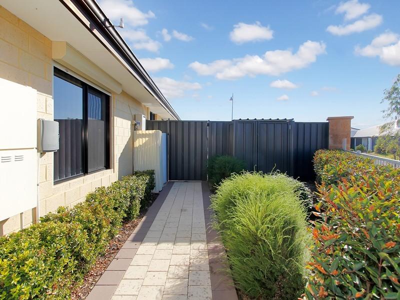 23 Oligantha Elbow, Banksia Grove WA 6031